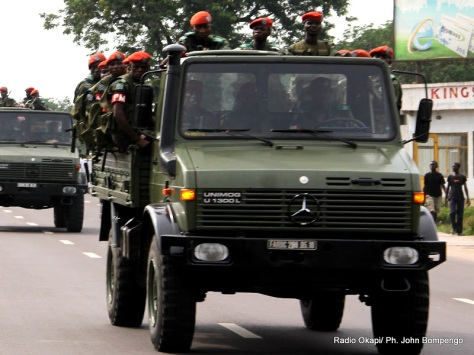 Patrouille des FARDC. Radio Okapi/ Ph. John Bompengo