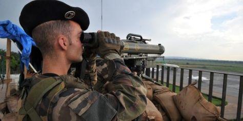 3494115_3_0549_des-soldats-francais-a-l-aeroport-de-bangui_93179ca6072f500916ff602bcf840fa4