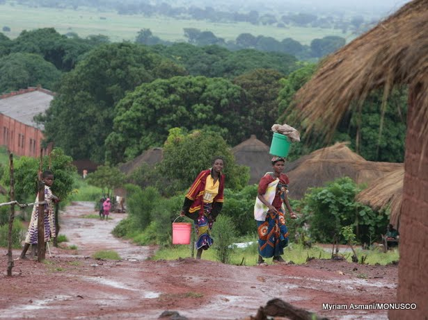 katanga 7 000 personnes ont fui les attaques des miliciens bakata katanga pweto congolese. Black Bedroom Furniture Sets. Home Design Ideas
