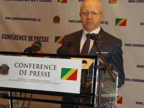 Le ministre congolais de la Communication et de Médias, chargé des relations avec le Parlement, porte-parole du gouvernement, Thierry Moungalla. Brazzaville le 25 septembre 2015. Photo Radio Okapi/Mimi Engumba