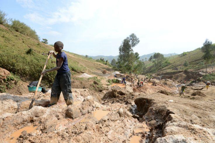 children mining Congo