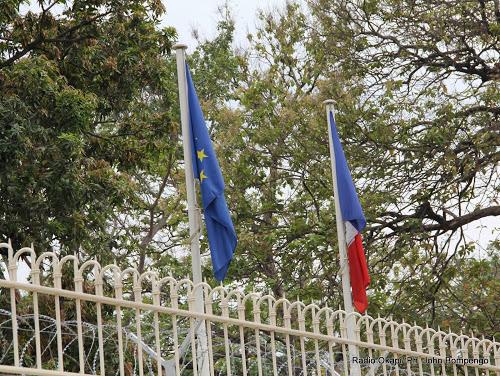 Clôture de l'Ambassade de France à Kinshasa. Radio Okapi/ Ph. John Bompengo